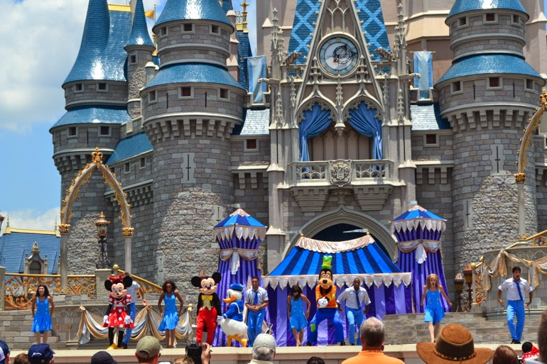 magic kingdom castle show