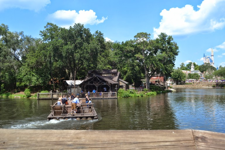 magic kingdom tom sawyer island