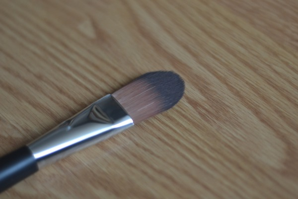 body shop foundation brush review