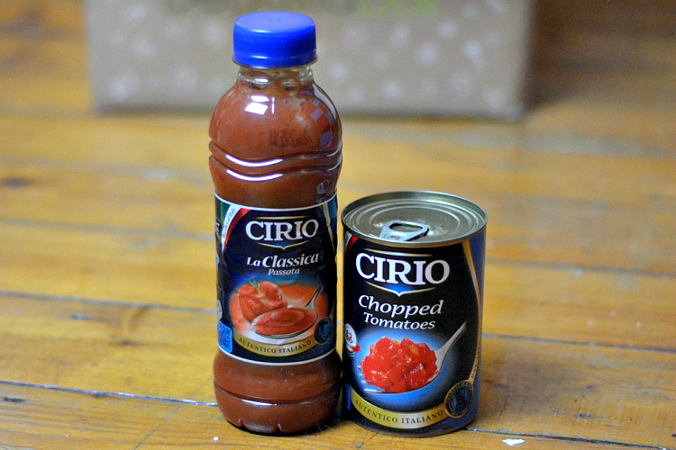 october degustabox Cirio Passata and Chopped Tomatos