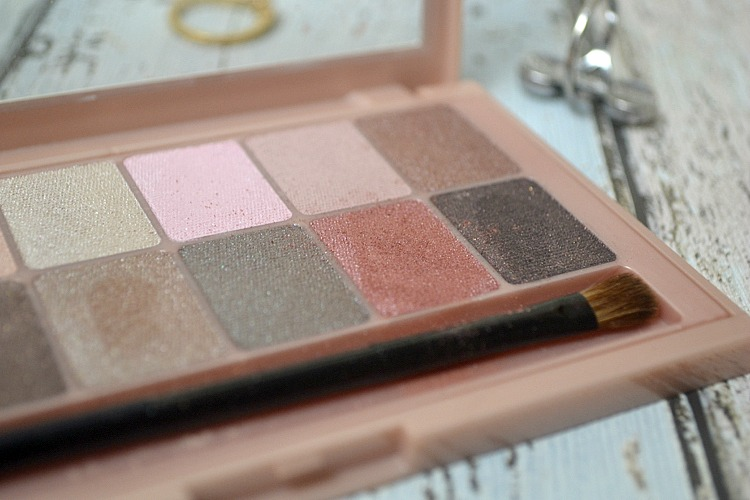 The Blushed Nudes Maybelline Palette