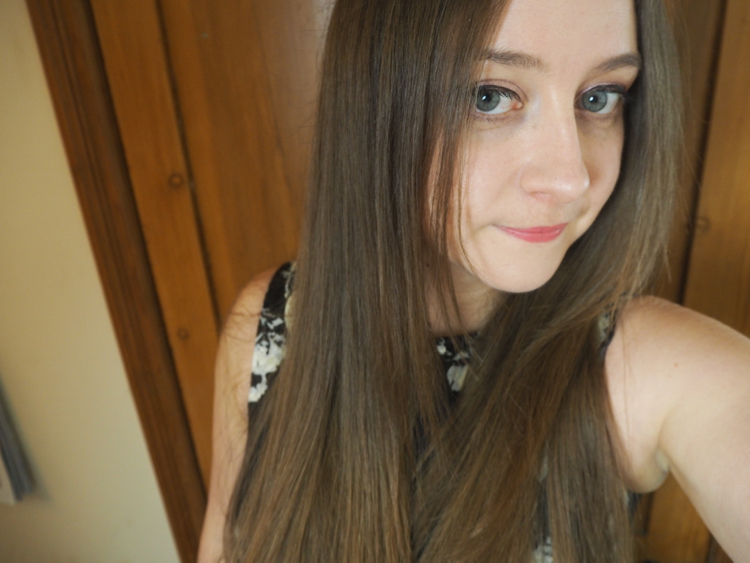 Irresistible Me Diamond Hair Straighteners