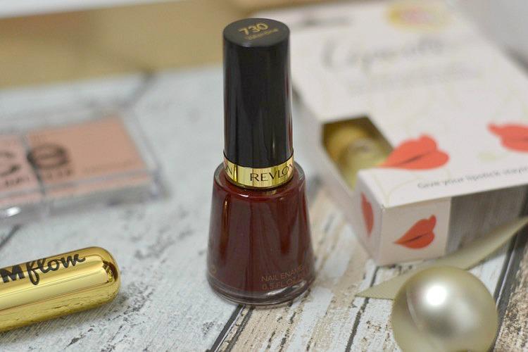 Glossybox December 2016 revlon nail enamel