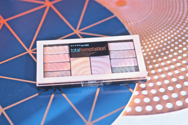 Total Temptation Eyeshadow & Highlight Makeup Palette - Maybelline