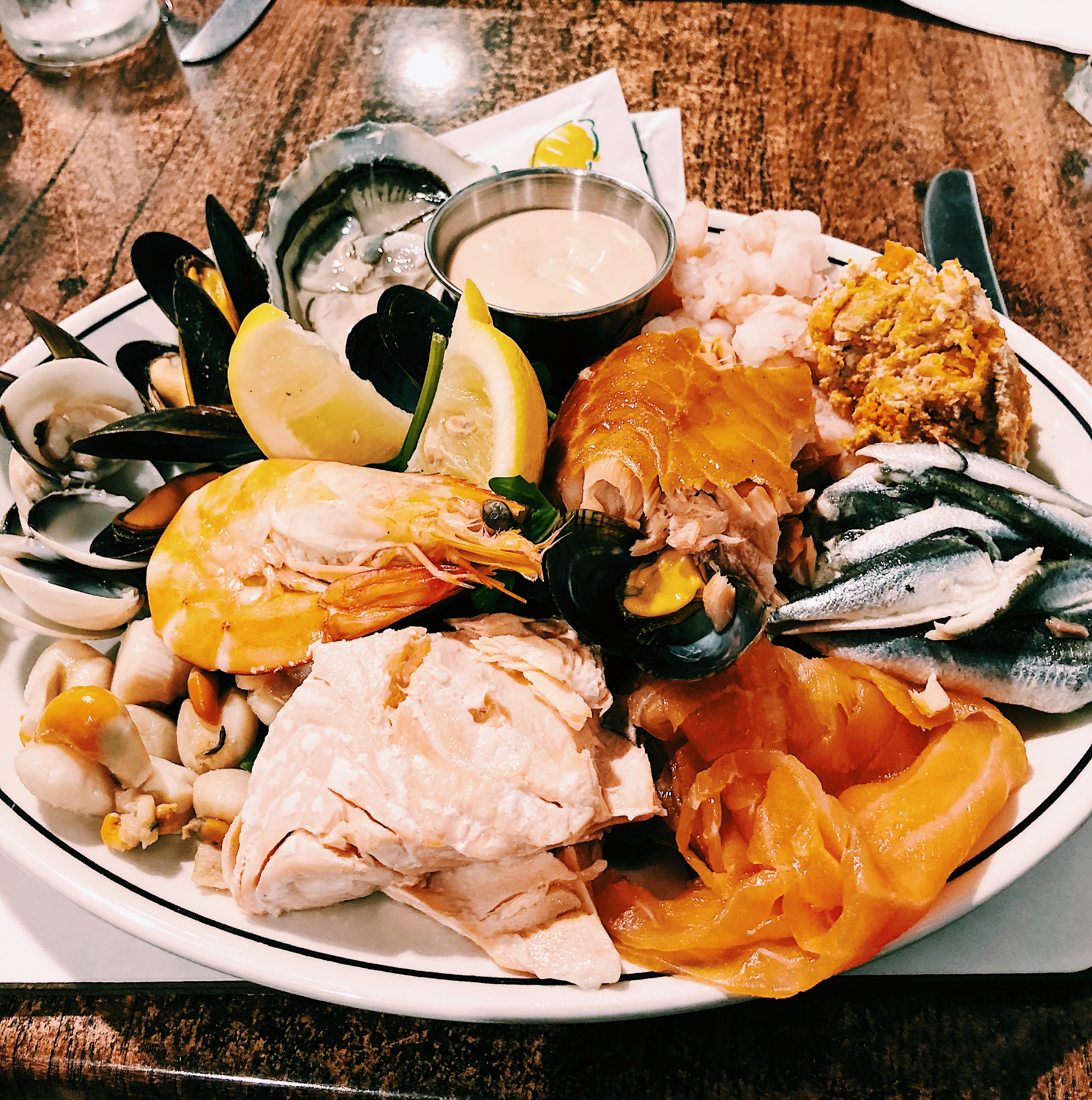 whitby magpie seafood platter
