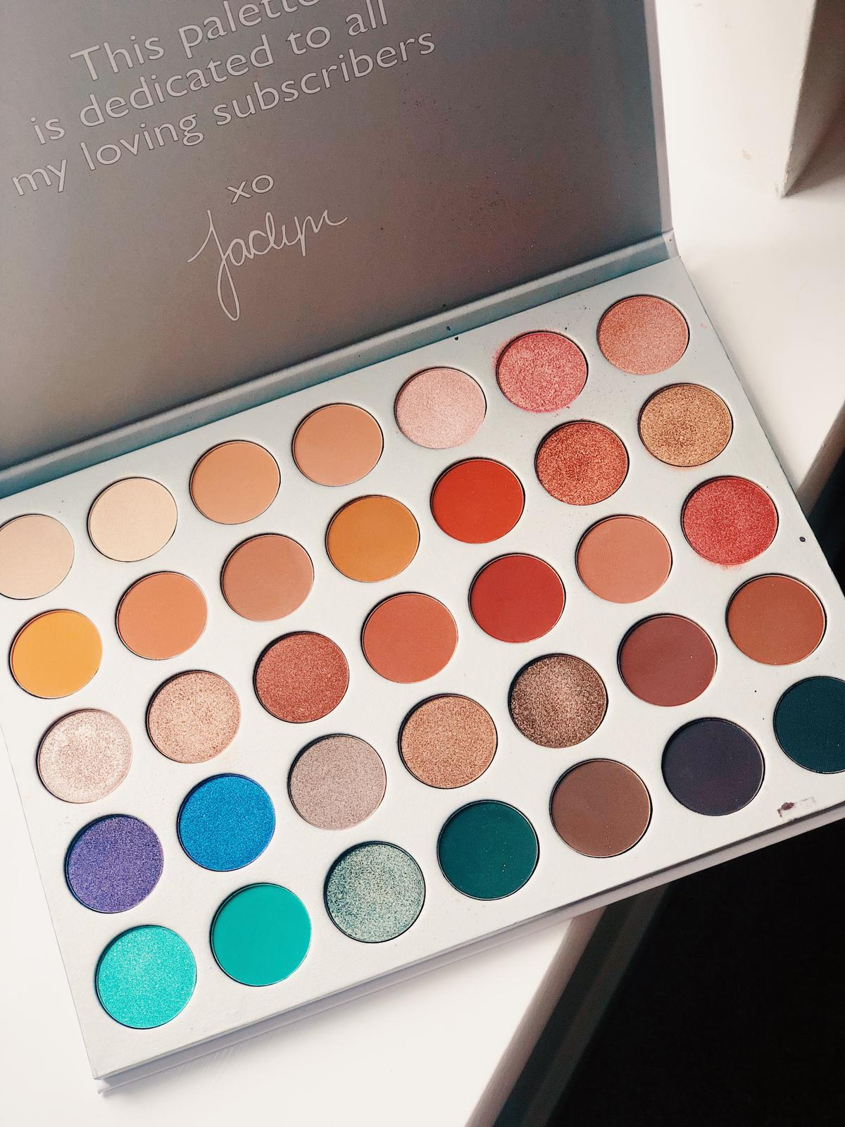 The Morphe Jaclyn Hill palette